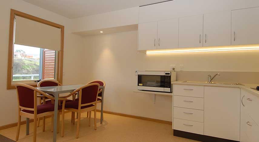 internal_kitchen_dining_855x468